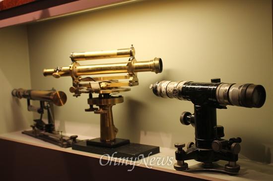 달가스 개척운동은 과학이었다. 물, 흙, 나무에 대한 심층연구가 함께 있었다. 박물관에 전시된 연구 견본과 기구들.