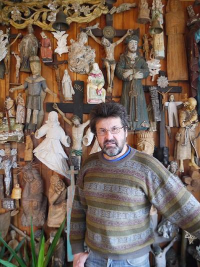 십자가 언덕의 산 역사 아돌파스 테레슈스. 현재 십자가 언덕 전체에 그가 만든 십자가가 무려 20개가 넘는다.