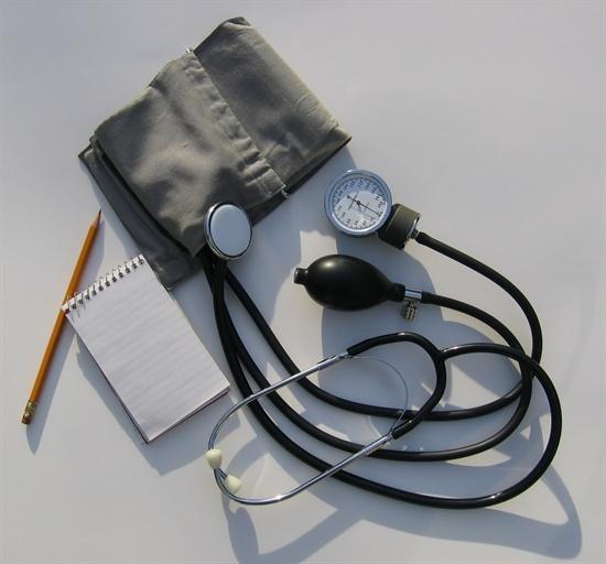 환자를 생각하는 의사 입장에서 정부의 원격의료 시행은 받아들이기 어렵습니다.