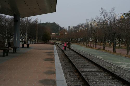 영산포 철도공원. 철도가 옮겨지고 옛 역에 공원이 조성됐다.