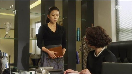 JTBC <밀회>의 오혜원(김희애 분).