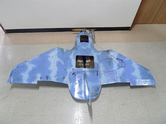 지난 3월 24일 경기도 파주에서 발견된 무인항공기. 제원은 날개 폭 1.92m, 동체길이 1.43m, 높이 55.7㎝, 중량 15㎏(연료 완충시)이며, 하늘색 바탕에 흰구름 문양 도색되어 있다.