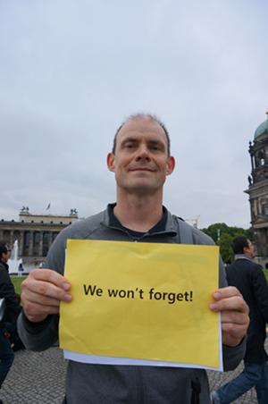 시위에 참여한 독일인 빈프리드푸힌거씨(Winfried Puchinger)