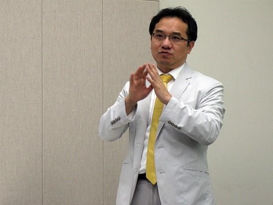 지난 7일 서울시민청에서 열린 식품기자포럼에서 명승권 박사가 강의를 하고 있다.