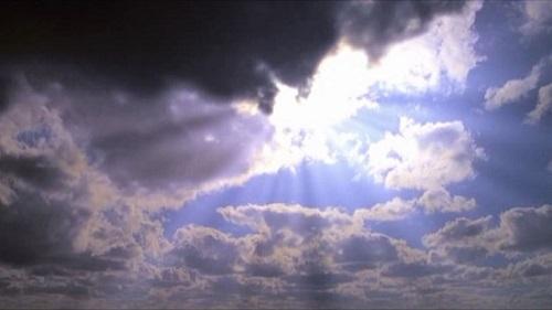영화 <트루먼 쇼>의 한 장면. 크리스토프(에드 헤리스 분)는 자신을 햇빛으로 묘사한다.