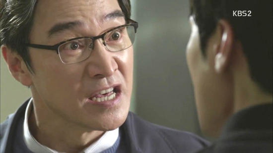 KBS 2TV 수목드라마 <골든크로스>의 서동하(정보석 분).