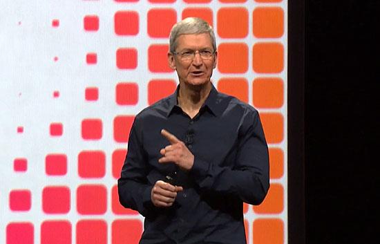 팀 쿡 애플 CEO가 2일(현지시간) 미국 샌프란시스코에서 열린 WWDC2104 키노트에서 새 모바일 운영체제 iOS8 등을 발표하고 있다.(애플 키노트 영상 갈무리)