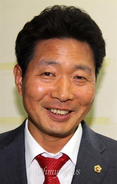 노동당 여영국 경남도의원이 이번 7.4 지방선거에서 '창원5' 광역의원 선거구에 출마해 당선했다.