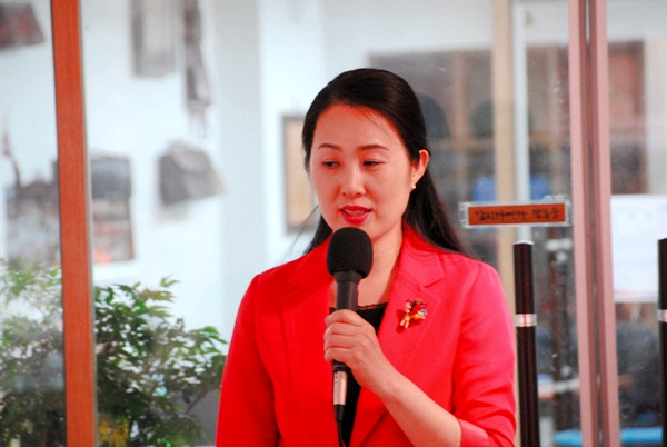 김지원 '사랑하는 별 하나'를 낭송한 김지원 시낭송 아카데미 회원