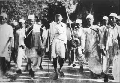 1930년 전국적으로 전개된 간디의 소금행진은 인도 민족 운동이 다시 활발하게 된 계기가 되었다.