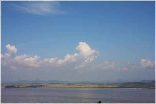 하늘도 바다도 평화롭습니다.