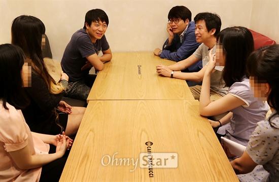 KBS대하드라마 <정도전>의 이재훈 PD와 정현민 작가, 강병택 PD가(왼쪽 위부터 시계방향) 5일 오후 서울 여의도에서 <정도전> 팬들과 함께 간담회를 하고 있다.