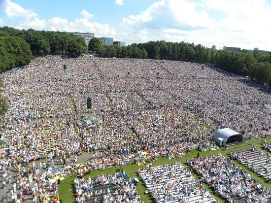 7월 3일부터 5일까지 열린 에스토니아의 대합창제, 라울루피두(Laulupidu)