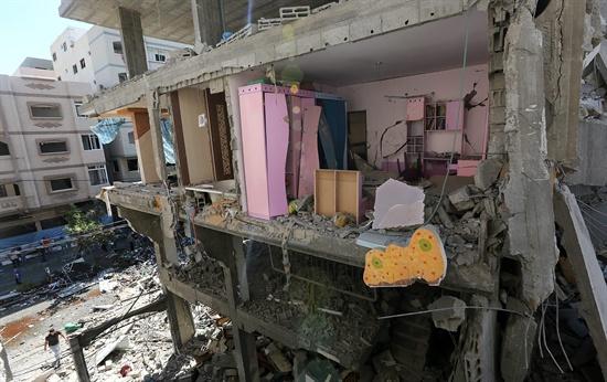 7월 11일 이스라엘의 공습으로 무너진 가자지구의 주택 모습.