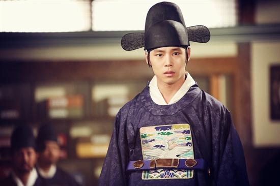 KBS 2TV <조선총잡이>에 출연 중인 배우 한주완