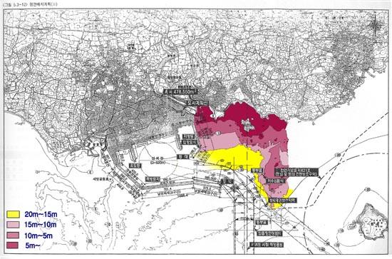 그림2. 30도 항로 주변의 저수심 해역. 해군본부 기본계획보고서에 30도 항로 별도 합성