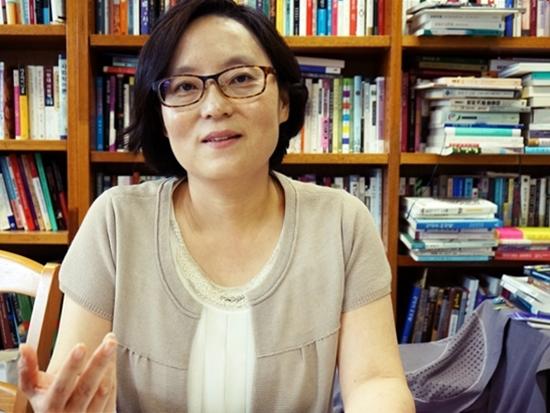 김현미 교수 김현미 교수는 인종주의 확산을 국가가 묵인, 방치하고 있다고 경고했다.