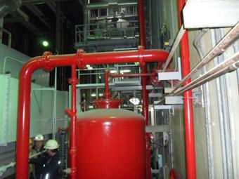 시험조차 할 수 없는 소방시설 고리2발전소 내 경유 110만리터 옥외탱크저장소의 포소화설비는 평소 시험을 할 수 없는 상태로 유지되고 있었다.