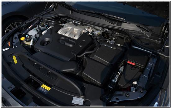 SM7 노바에는 닛산의 6기통 브이큐(VQ) 엔진이 들어갔다. 부드럽고 정숙성이 뛰어나다. 내구성도 입증된 엔진이다. 엔진과 6단 자동변속기는 3년전과 같다.