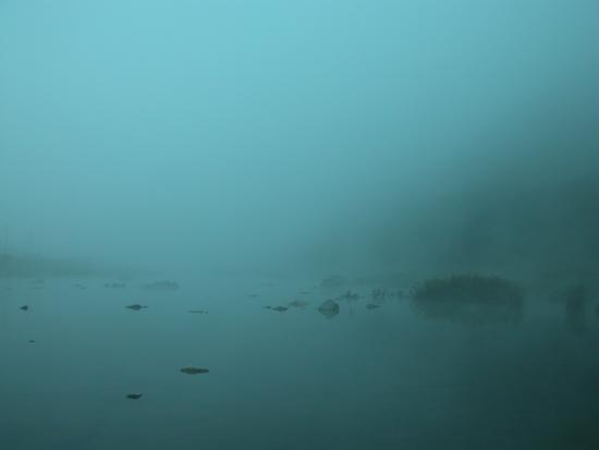 진뫼마을 뱃마당 물안개 뱃마당에서 자맥질하며 놀던 깨복쟁이 친구들은 다 어디로 갔을까.