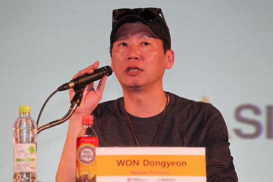 영화 <광해, 왕이된 남자>를 제작한 원동연 리얼라이즈픽쳐스 대표