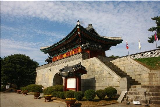 광성보의 문루인 '안해루'.