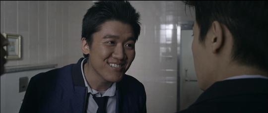 영화 <레디액션 청춘>의 <소문>에서 학교짱 장군태 역할을 맡은 배우 김민중