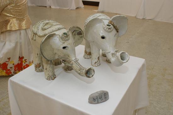 노을공방에서만 볼 수 있는 코끼리 상이다.