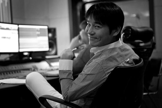 새 싱글 앨범 <친한 사람>을 발표한 배우 겸 가수 임창정