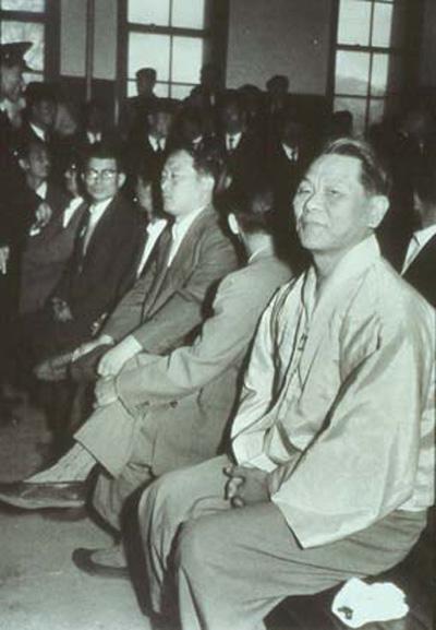 1958년 재판정에 선 진보당 당수 조봉암.