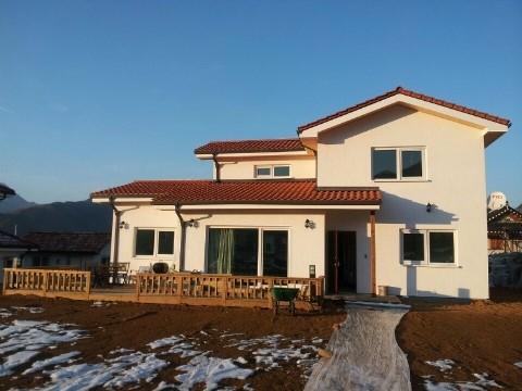 문경ALC주택 도배는 하지 않아도 되고, 지붕에 작은 태양광 시설을 설치해도 좋을 듯