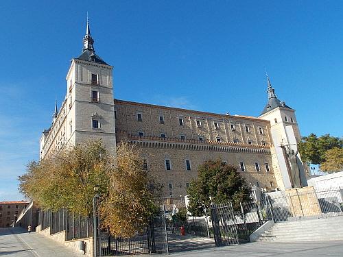 톨레도 성 스페인 내전 당시 격전지였던 톨레도 성.