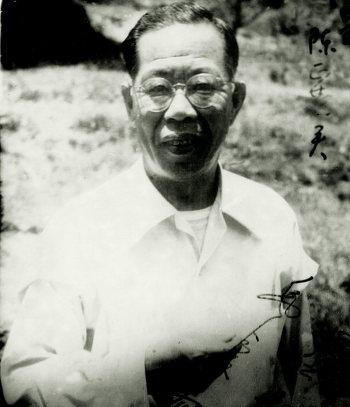 우장춘 박사 1950년 한국의 농업발전에 여생을 받치겠다는 심정으로 한국으로 향하는 귀국선에 몸을 싣고 영구귀국하여 돌아가실 때까지 한국을 떠나지 않으셨습니다.