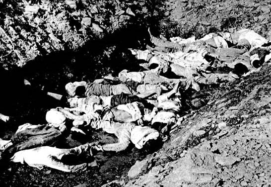 1950년 당시 촬영된 대전 산내 골령골 학살 현장