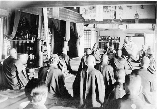 1937년 군산 금강사(동국사) 법회 모습