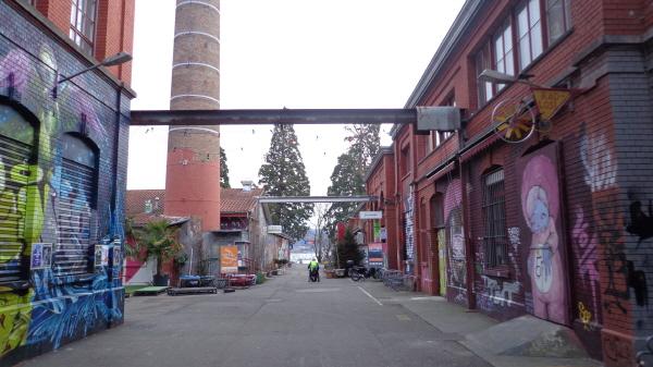 스위스  취리히의 청년 문화예술지원센터, '빨간벽돌(Rote Fabrik)'  -