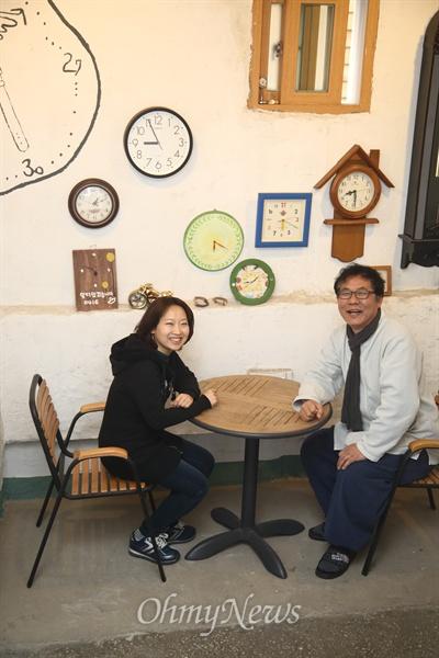 <콩나물신문> 윤혜민 이사와 <담쟁이문화원> 한효석 원장.