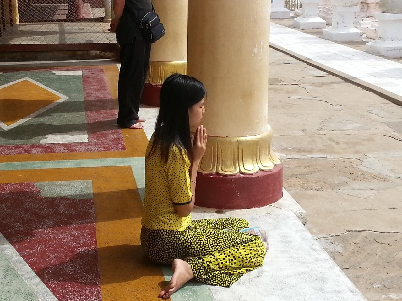 소녀의 기도 소녀에게 붓다는 어떤 존재일까?