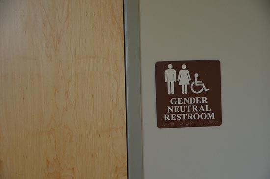 미국의 성 중립 화장실 표지판