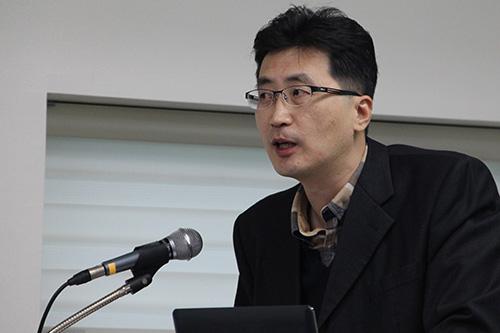 박진영 연세대 교수가 '초창기 출판인과 출판문화'를 주제로 강의하고 있다.