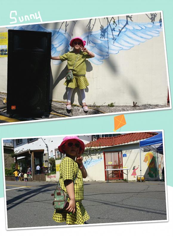나는 이쁜 천사~~^^ 포즈도 멋지게 사진 찍어달라는 꼬마가 정말 날개 달린 천사같다.