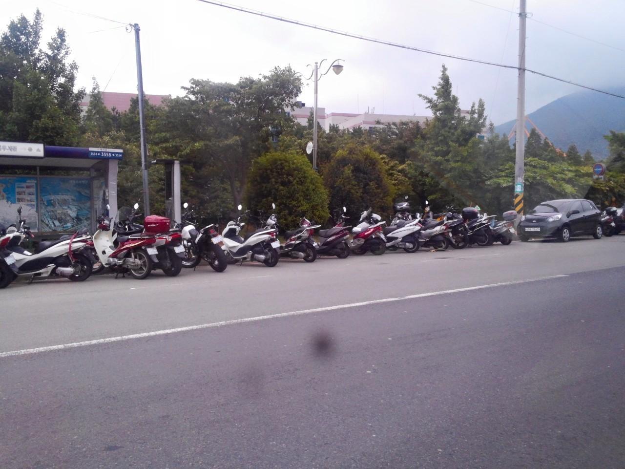 오토바이 대우조선해양 앞을 지날때면 수많은 오토바이 행렬로 베트남을 연상케한다.