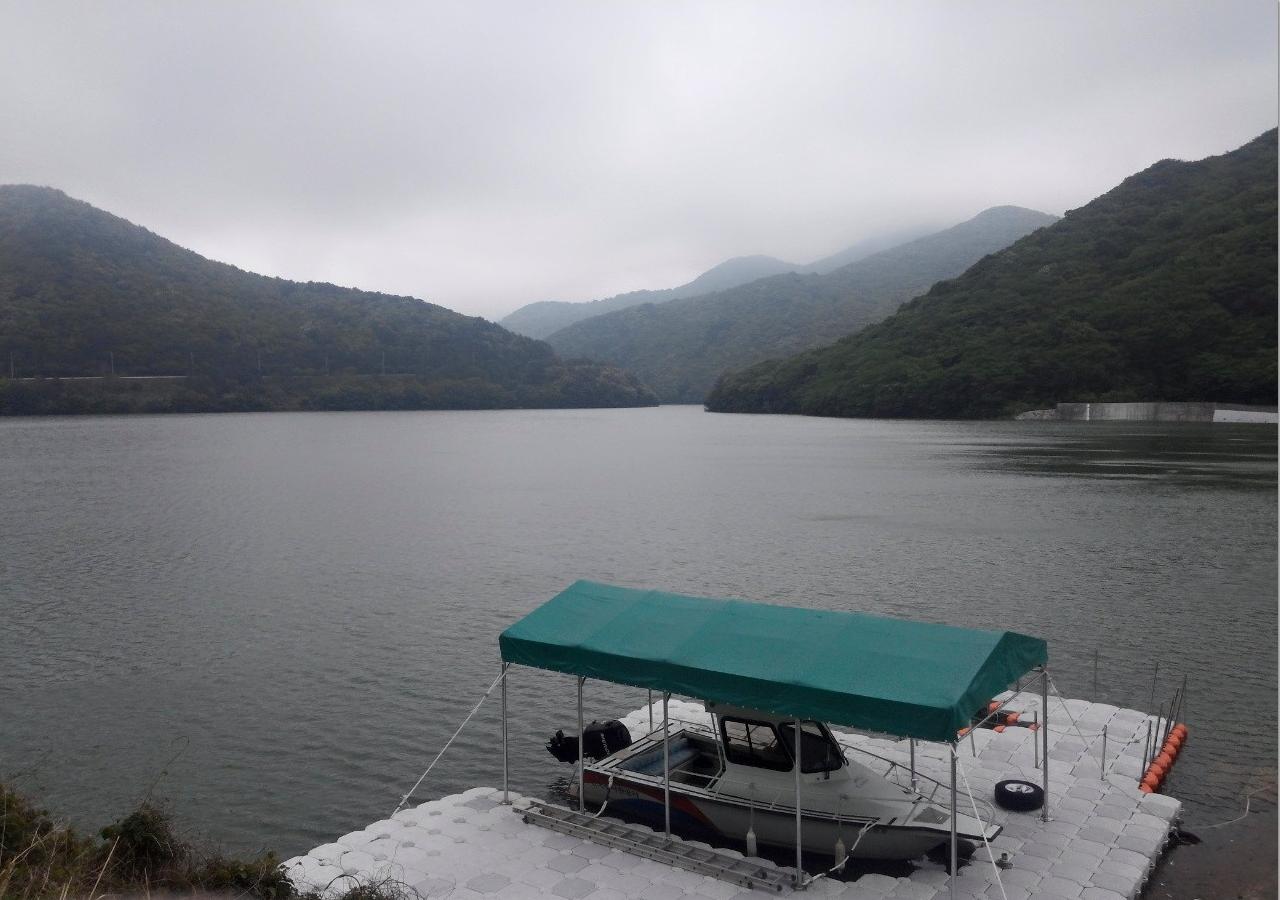 구천댐 거제시 동부면에 위치한 특이한 모양의 댐이다.