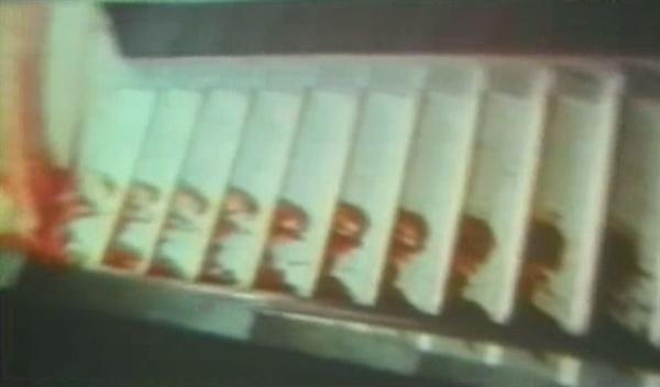 계엄군의 진압 직후를 담은 독일인 힌츠페터의 영상을 보면, 전남도청 계단은 피로 물들어 있다.