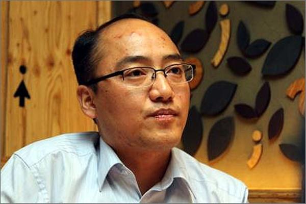 현직 법원공무원, 저자, 시민기자 등으로 바쁜 날을 보내고 있는 김용국 시민기자.