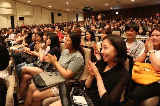 2015 청춘콘서트 김제동의 대답에 큰 박수를 보내는 청년들