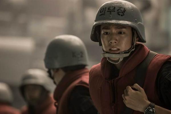 영화 <연평해전>의 한 장면