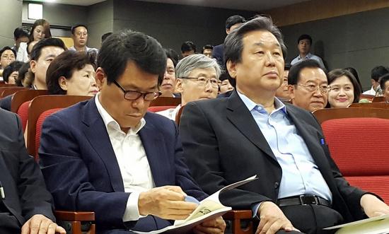 지난 6월 30일 '직선 교육감제 폐지'를 위한 새누리당 토론회에 참석한 김무성 새누리당 대표.