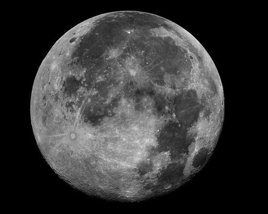 추석날 밤은 달빛이 가장 좋다고 해서 '월석'이라고도 부른다.