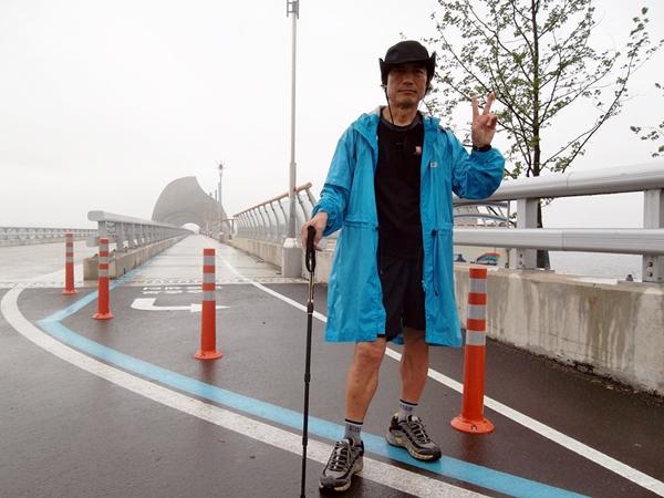 나는 걷는다 대한민국의 6대강의 자전거길, 해안둘레길 마다 걸을 수 있는 안전한 길이 뚫려있다. 당장 배낭을 들고 나서라.